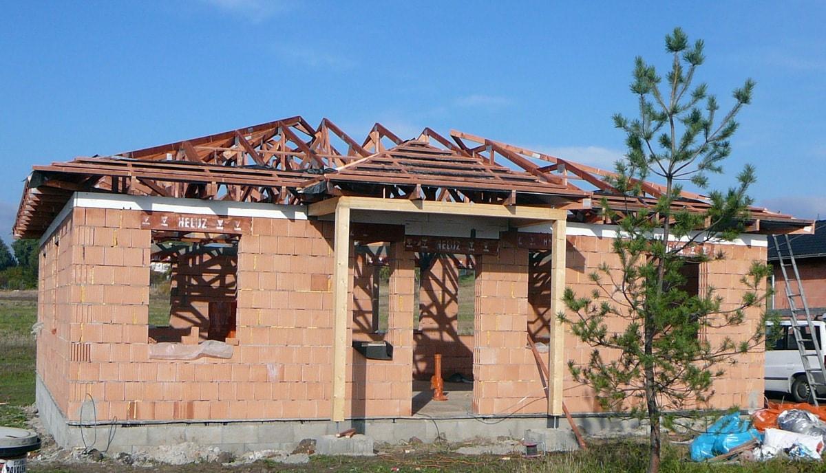 akce s dřevěné vazníky rodiný dům